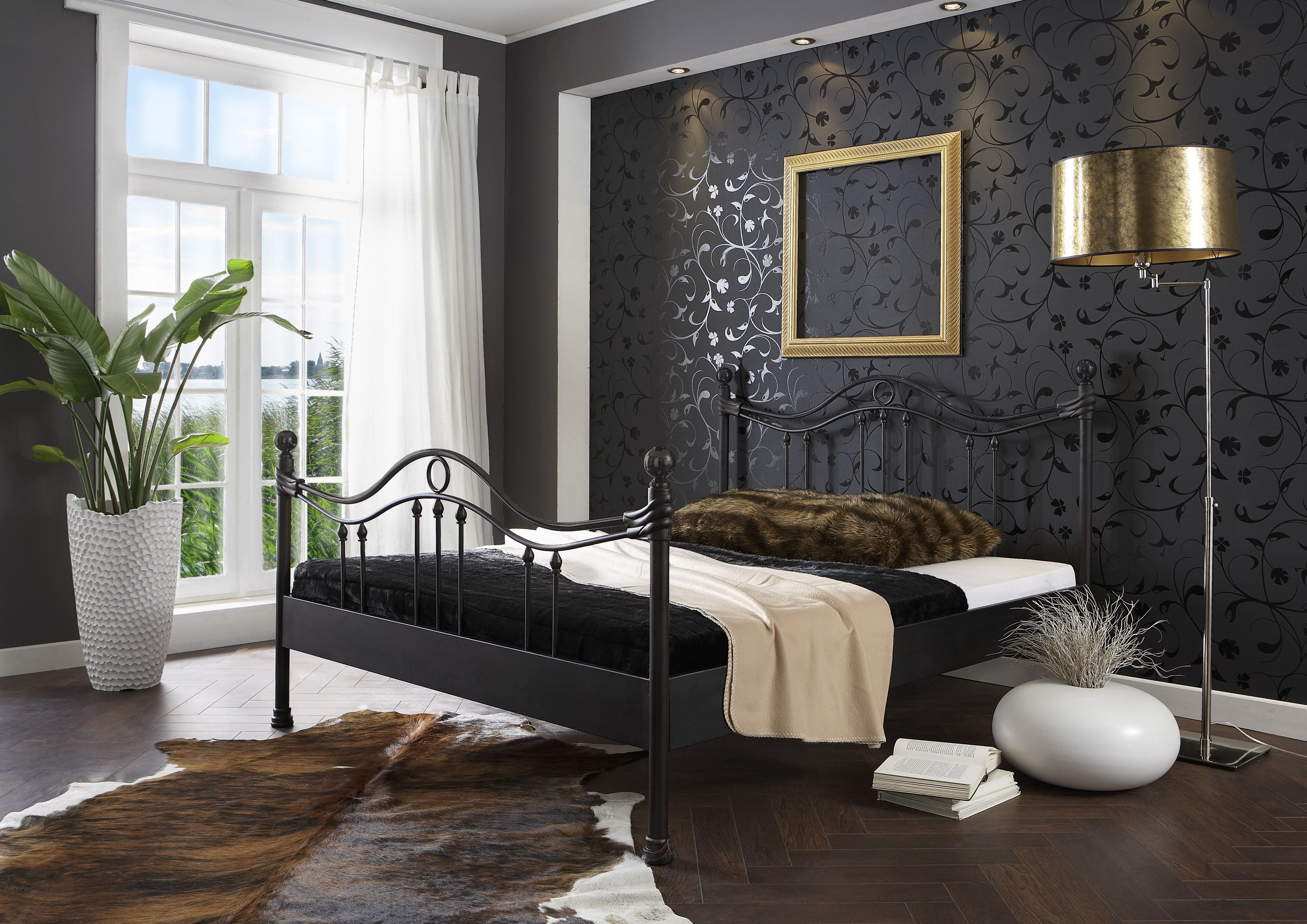 metalen bed helmond. Black Bedroom Furniture Sets. Home Design Ideas