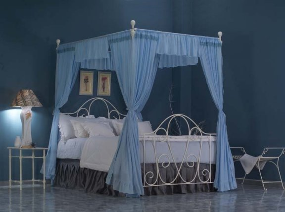 celtique lit en fer forge lit a baldaquin mulberry. Black Bedroom Furniture Sets. Home Design Ideas
